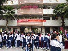广州市白云区石井街开展禁毒巡展进校园活动