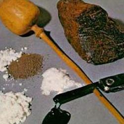 鸦片、吗啡、海洛因的外观颜色,形状是什么样的(图)